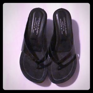 Donald Pliner Patent Leather Thong Sandal -7 1/2